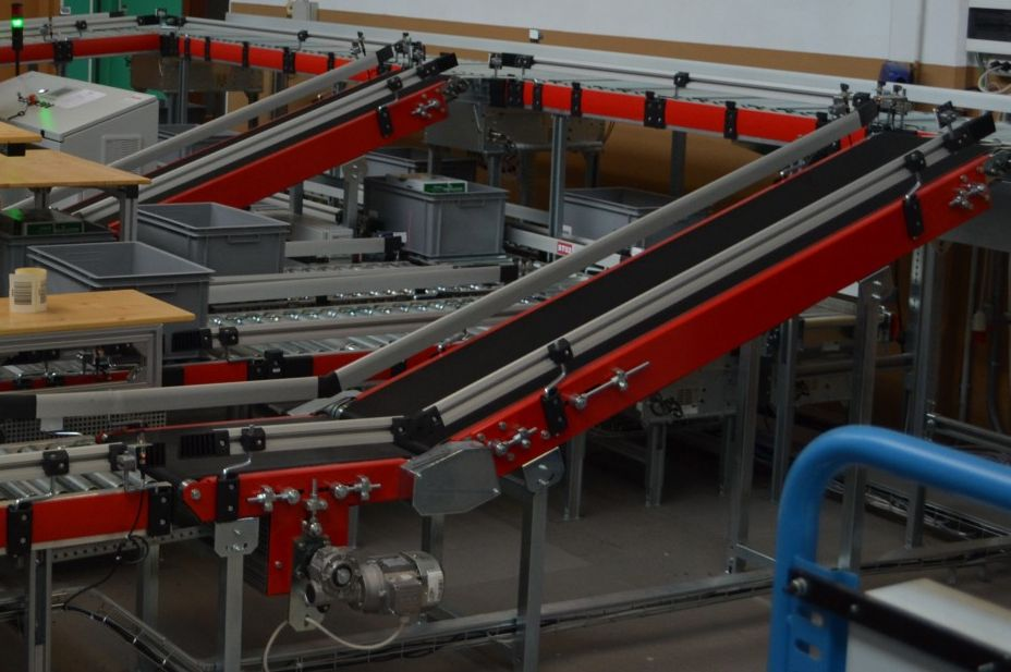 The conveyor controlled by UniPi