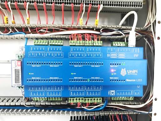Family house automation system | Unipi